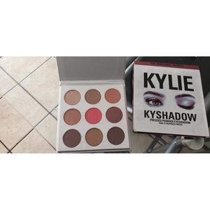 Kylie cosmetics make up bundle